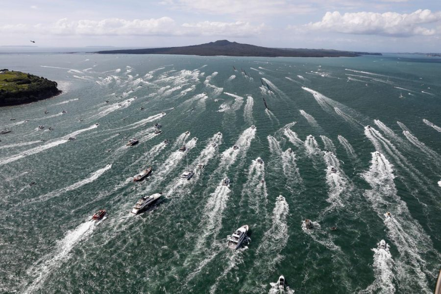 Spectacular departure for Volvo Ocean Race fleet